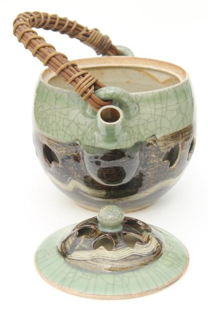 vintage Japanese Somayaki celadon green crackle glaze pottery tea pot & bowl cups