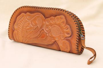 vintage Mexican tooled leather envelope bag, clutch purse wristlet w/ zipper closure