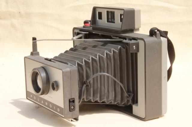 vintage Polaroid Automatic 320 camera w/ flash attachment & case retro bellows camera