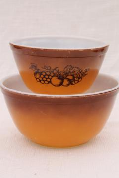 vintage Pyrex glass mixing bowls Old Orchard brown ombre 401 and 402