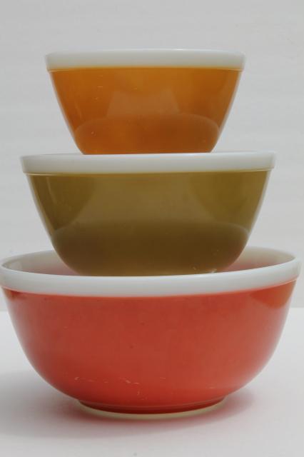 vintage Pyrex nesting bowls, white rim band solid colors Americana ...