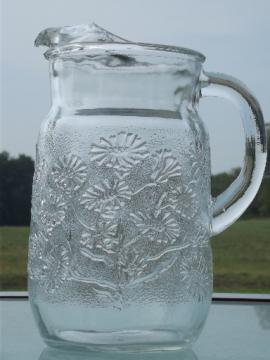Vintage Anchor Hocking daisy daisies clear glass water / lemonade pitcher