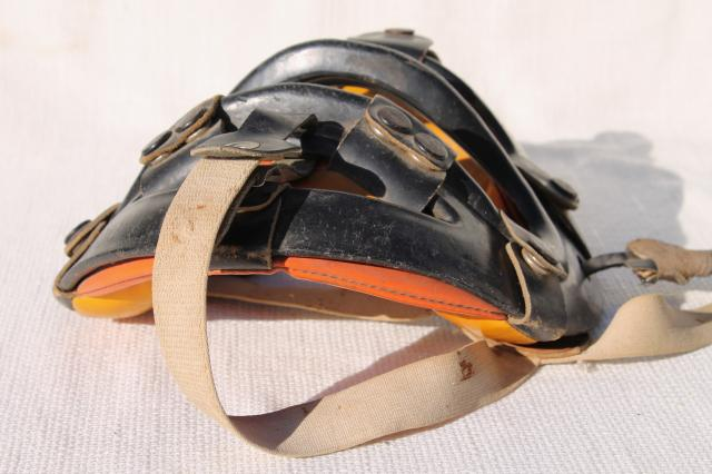 vintage baseball catchers mask face guard, 60s vintage sporting equipment
