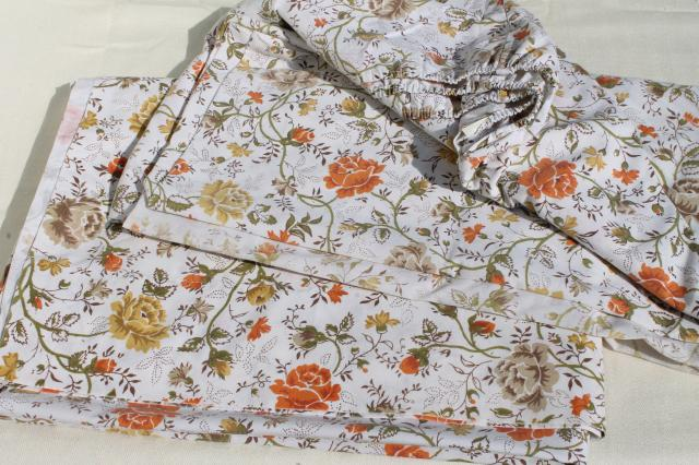 Vintage Bedding Lot, Retro Print Bed Sheets U0026 Pillowcases, Cotton Blend  Fabric W/ Mod Flowers