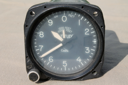 Vintage Cessna M1 altimeter model 374 PN C661011, Weston Instruments dated 1971