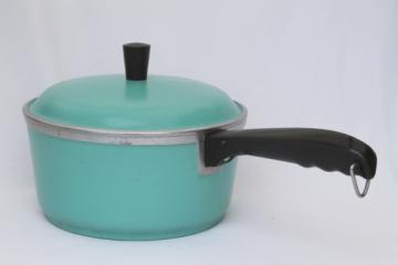 Vintage Club aluminum cookware, aqua turquoise blue pot w/ lid, 2 qt saucepan