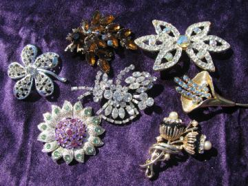 Vintage costume jewelry lot, colored rhinestone pins, flower brooches