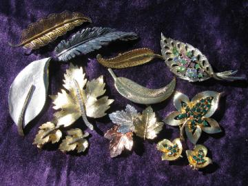 Vintage costume jewelry lot, rhinestone leaves pins, leaf brooches & earring sets