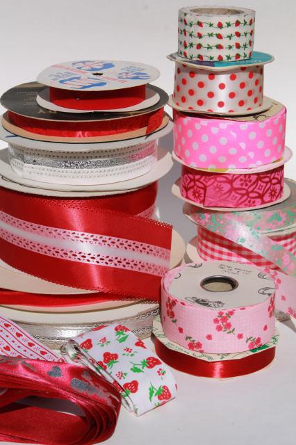 vintage craft ribbon / gift ribbons lot, red & pink patterns novelty fancy package tie trims
