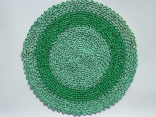 Vintage kitchen decor green - Vintage Crochet Placemats Chunky Wool Yarn Doilies Lot In