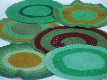 Vintage crochet placemats, chunky wool yarn doilies lot in retro green