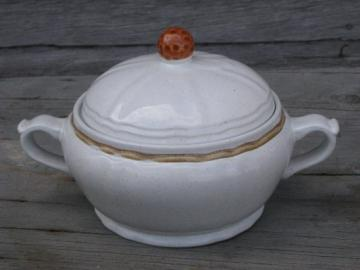 Vintage Japan stoneware covered dish w/ lid, Hearthside Berries N Cream