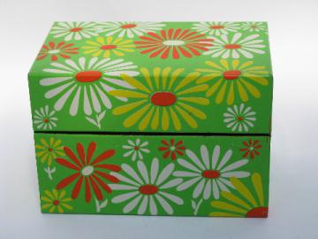 Vintage kitchen recipe card box, metal w/ daisy flower power print
