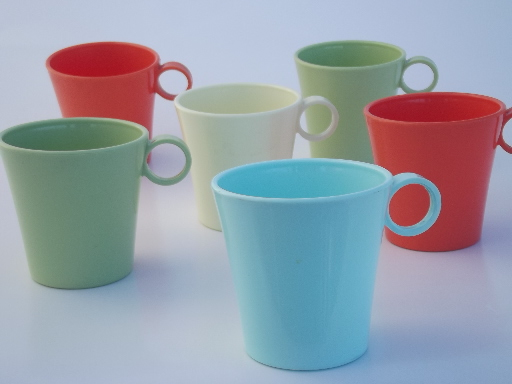 Vintage melmac coffee mugs, retro cups in pastel coral, aqua, green