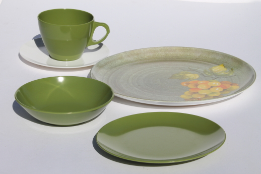 Vintage Melmac Dinnerware Set 60s Retro Gold Avocado & Melmac Dinnerware - Castrophotos
