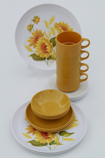 Vintage melmac dinnerware set for 4 70s retro gold sunflower print dishes & Vintage melmac dinnerware set for 4 70s retro gold sunflower print ...
