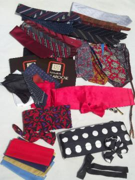 Vintage menswear lot accessories for men, silk scarves, neck ties etc.