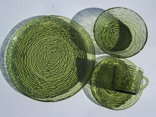 Vintage kitchen decor green - Vintage Milano Or Soreno Green Glass Dishes Set Retro