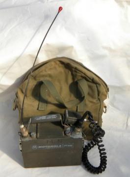 Vintage Motorola Handie-Talkie PT-300 lunchbox HT radio transceiver
