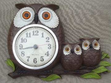 Vintage owl family wall clock, New Haven clock w/ Burwood plastic owls