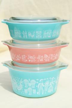 vintage pink & aqua Pyrex, 471 473 casseroles Amish butter print & gooseberry