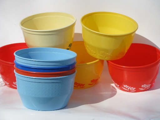Vintage Plastic Cottage Cheese Or Margarine Tub Bowls Lot Kitchen Containers