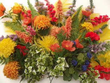 Vintage plastic flowers, retro 50s 60s wire stem flower picks for arrangements