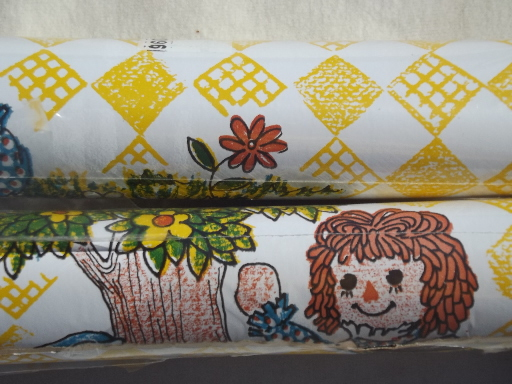 Vintage Raggedy Ann print wallpaper, 70s vinyl rolls mint in packages