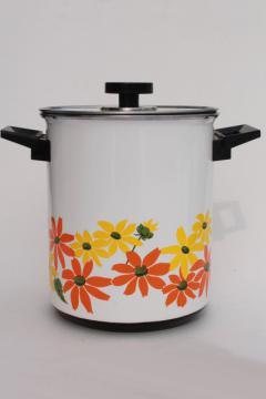 vintage stockpot / steamer w/ strainer, Ekco Country Garden porcelain enamel pot w/ daisies