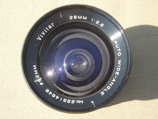 Vintage Vivitar 28mm 1:2.5 auto wide-angle lens - No. 22314646 Ø62mm