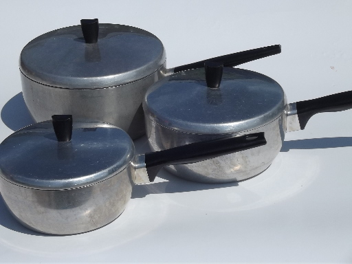how to clean old aluminum pans