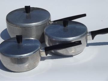 Vintage WearEver aluminum saucepans & lids  set, 3 qt 2 qt 1 1/2 quart
