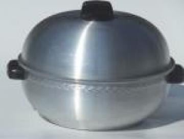 Vintage West Bend aluminum serving oven w/ leaflet, for hot rolls or potatoes