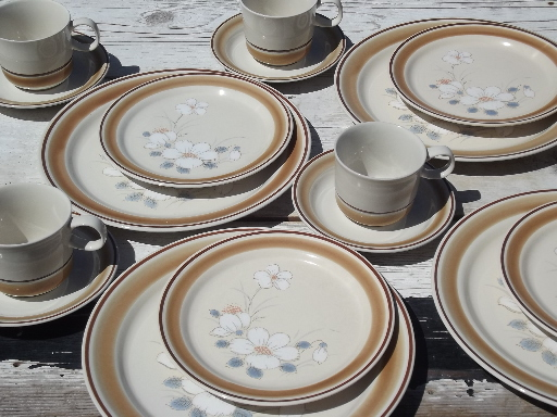 Watercolors stoneware dishes set for 4 retro Hearthside Japan dinnerware & vintage china dishes and dinnerware